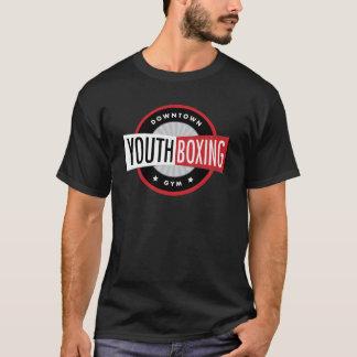都心の青年ボクシングの体育館メンズTシャツ Tシャツ