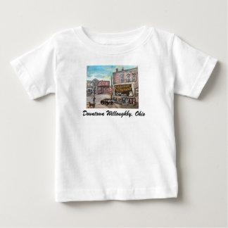 都心のWilloughby犬の歩行の子供のTシャツ ベビーTシャツ