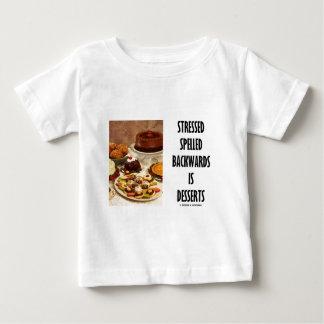重点を置かれます後方に綴られてデザート(ユーモア)は ベビーTシャツ