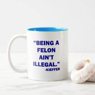 """""""重罪犯人違法""""マグではないですであることは ツートーンマグカップ"""