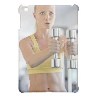 重量と運動している女性 iPad MINI CASE