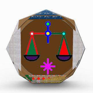 重量を量って下さい: ヴィンテージの方法思考の行為の人間関係 表彰盾