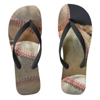 野球および手袋 ビーチサンダル