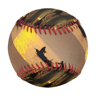 野球は十代の若者たちのゲームの世界の写真撮影をからかいます 野球ボール
