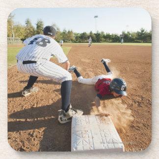 野球を遊んでいる男の子(10-11) コースター
