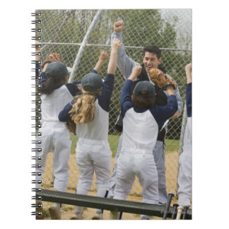 野球チームを持つコーチ ノートブック