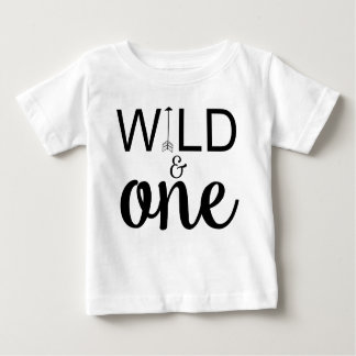 野生および1枚の矢の第1誕生日のワイシャツ ベビーTシャツ