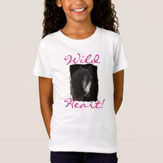 野生のハートの黒の馬のTシャツ Tシャツ