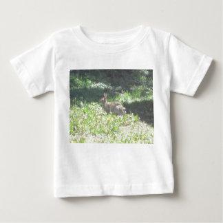 野生のバニーのワイシャツ ベビーTシャツ