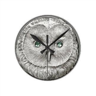 野生の事: 銀製のフクロウの円形の柱時計 ラウンド壁時計