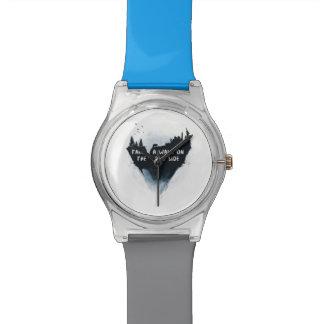 野生の側面の歩行 腕時計