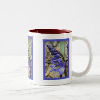 野生の青いHyacinth ツートーンマグカップ