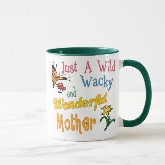 野生の風変りですばらしい母 マグカップ