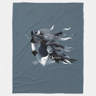 野生の馬および女の子 フリースブランケット