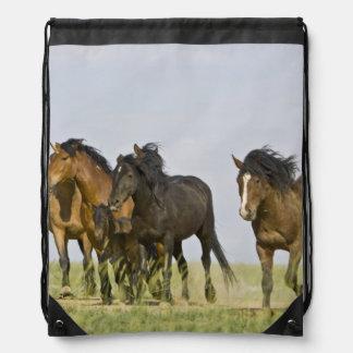 野生の馬のEquusのcaballusの)野生の馬3 ナップサック