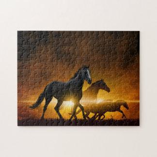 野生の黒い馬のパズル ジグソーパズル