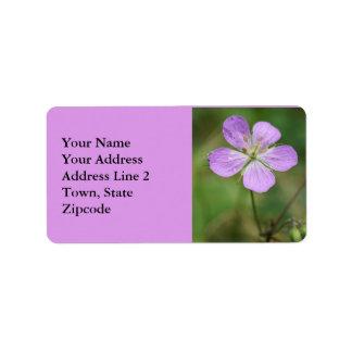野生ゼラニウムのピンクの野生の花の宛名ラベル 宛名ラベル