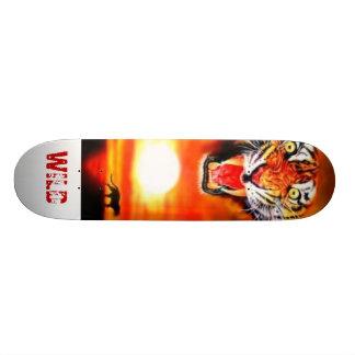 野生トラ カスタムスケートボード