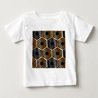 金および銀製の六角形の背景 ベビーTシャツ