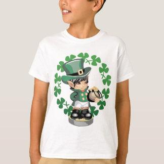 金の壷を持つ小妖精 Tシャツ