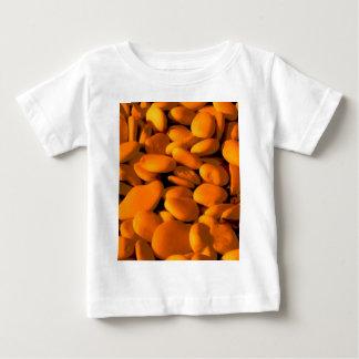 金オレンジ小石 ベビーTシャツ