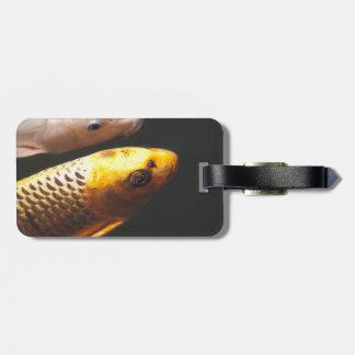 金コイの魚 ラゲッジタグ