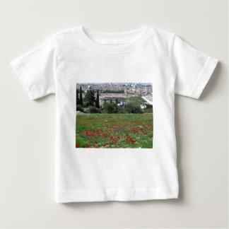 金ゴールドおよび赤い花のエルサレム ベビーTシャツ