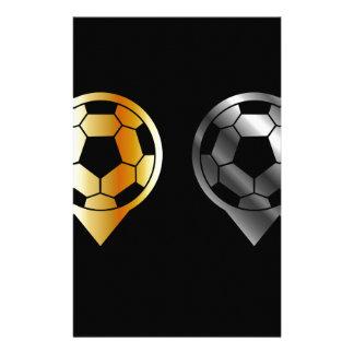金ゴールドおよび銀製の配置の中のフットボール 便箋