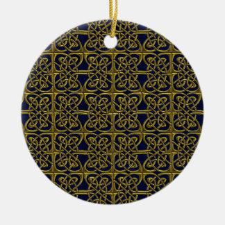 金ゴールドおよび青によって接続される楕円形のケルト人パターン セラミックオーナメント