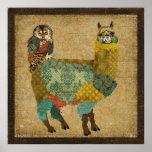 金ゴールドのアルパカ及びティール(緑がかった色)のフクロウの芸術ポスター ポスター
