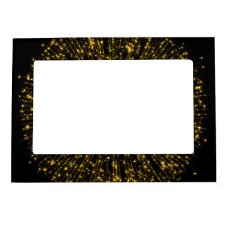 金ゴールドのグリッターのスターバストの日が差すことの花火の輝き マグネットフレーム