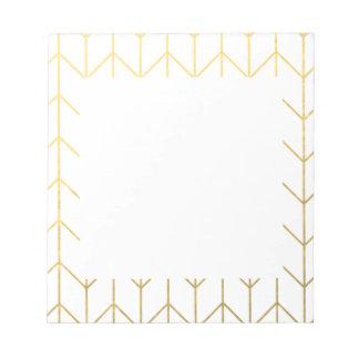 金ゴールドのシェブロンの白い背景のモダンな上品 ノートパッド