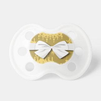 金ゴールドのシャンデリアのダマスク織パターン おしゃぶり