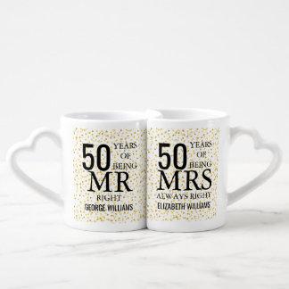 金ゴールドのハートの紙吹雪第50記念日の氏夫人Right ペアカップ