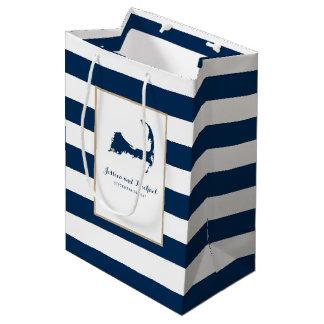 金ゴールドのハートの青い縞が付いているFalmouthのケープコッドの地図 ミディアムペーパーバッグ