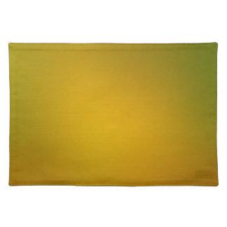 金ゴールドの勾配への緑 ランチョンマット
