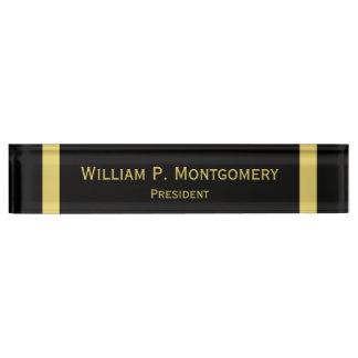 金ゴールドの名前入りな机の名札の黒 デスクネームプレート