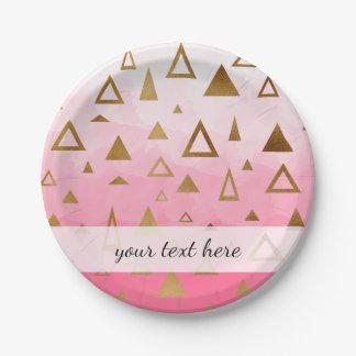 金ゴールドの幾何学的な三角形のパステル調ピンクブラシストローク ペーパープレート