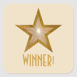 金ゴールドの星「勝者!」 正方形のステッカーのクリーム スクエアシール