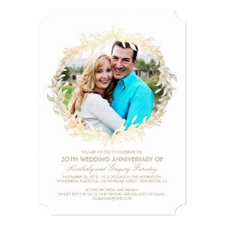 金ゴールドの月桂樹のリースの白い写真の結婚記念日 カード