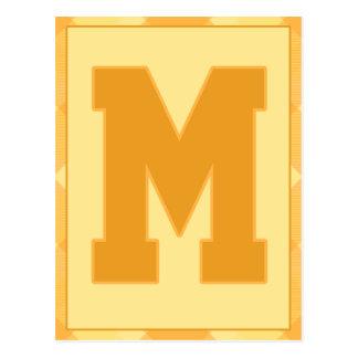 """金ゴールドの格子縞の手紙""""M""""のタイポグラフィの旗カード ポストカード"""