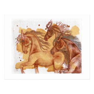 金ゴールドの洗浄水彩画の馬の群れ ポストカード