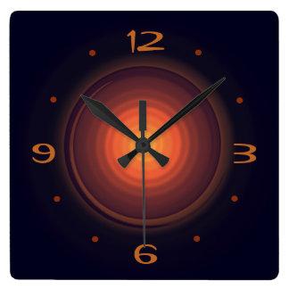 金ゴールドの渦巻のCentre>Wallの時計とこげ茶 スクエア壁時計
