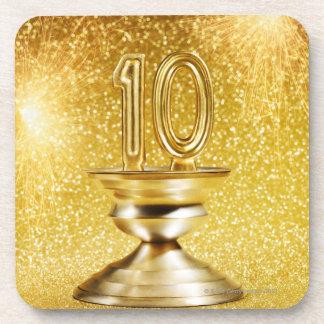 金ゴールドの第10トロフィ コースター
