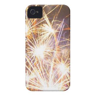 金ゴールドの花火のブラックベリーの箱 Case-Mate iPhone 4 ケース