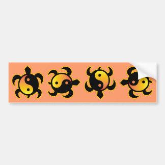 金ゴールドの陰陽のカメのバンパーステッカー バンパーステッカー