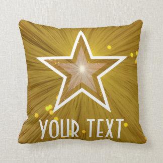 """""""金ゴールド星""""の「あなたの文字」の装飾用クッションの正方形 クッション"""