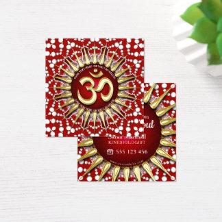 金ゴールドOMのホリスティックで赤く白い曼荼羅の正方形 スクエア名刺