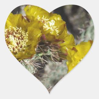 金サボテンの花 ハートシール