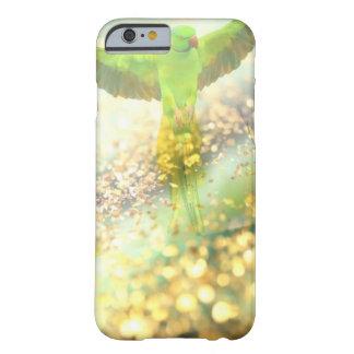 金ジャングルのオウムの飛行 BARELY THERE iPhone 6 ケース